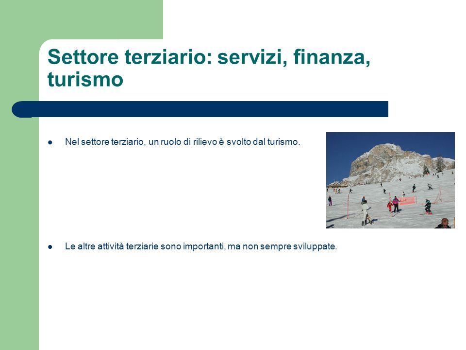 Le principali esportazioni italiane sono nel campo alimentare, dell abbigliamento, del lusso, dell'arredamento e delle automobili.