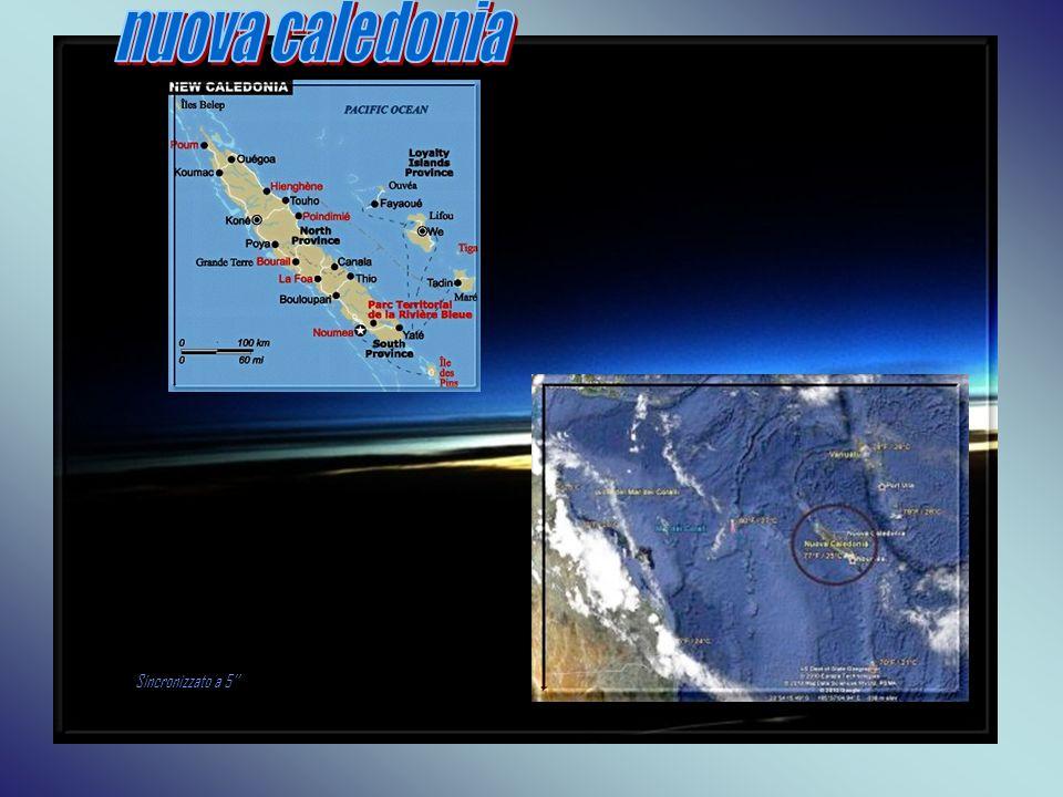 L isola principale della Nuova Caledonia, Grande Terre, è una lingua di terra parcheggiata nel cuore di un mare dal meraviglioso colore turchese dove sembra che il tempo si sia fermato.