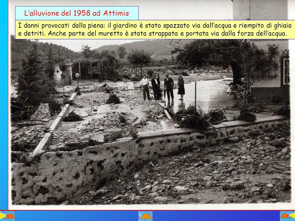 L'alluvione del 1958 ad Attimis I danni provocati dalla piena: il giardino è stato spazzato via dall'acqua e riempito di ghiaia e detriti. Anche parte
