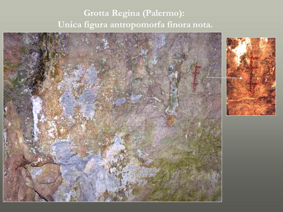 Idoletto del Lido Olivella (h. 10 cm.) Statua di terracotta di divinità maschile con cornice da Piano Vento. Fine III millennio a.C.