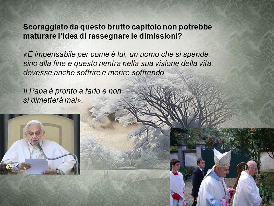 Il Papa come sta vivendo il momento? «Soffre in prima persona, ma il compito di soffrire rappresenta il successore di Pietro perché rappresenta tutti