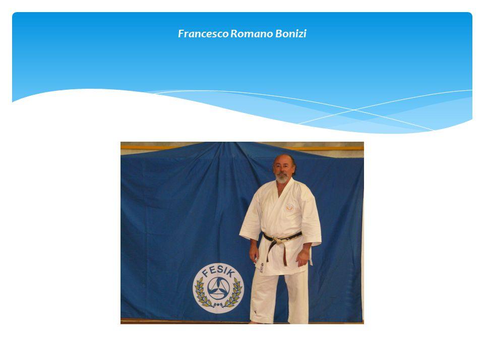  Nato a Roma il 21 Aprile 1951  Inizio studi e pratica del Karate nel 1965  Conseguimento della cintura nera 1° dan nel 1970  Attività agonistica a livello nazionale  Varie esperienze nelle Arti Marziali e Discipline da Combattimento  Conseguimento della Maturità Classica nel 1970 a Roma  Servizio Militare quale Sergente di complemento presso la Scuola ACS di Spoleto, trasferito fino al Settembre 1974 presso la Scuola Militare di Educazione Fisica di Orvieto, sezione Judo.