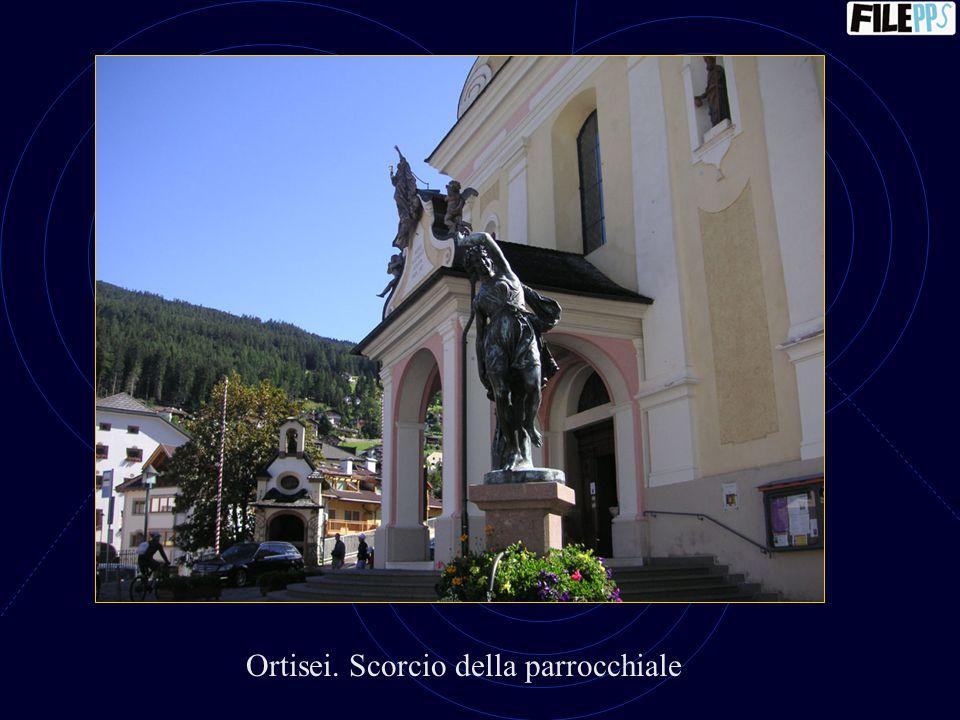 Ortisei. Campanile della parrocchiale
