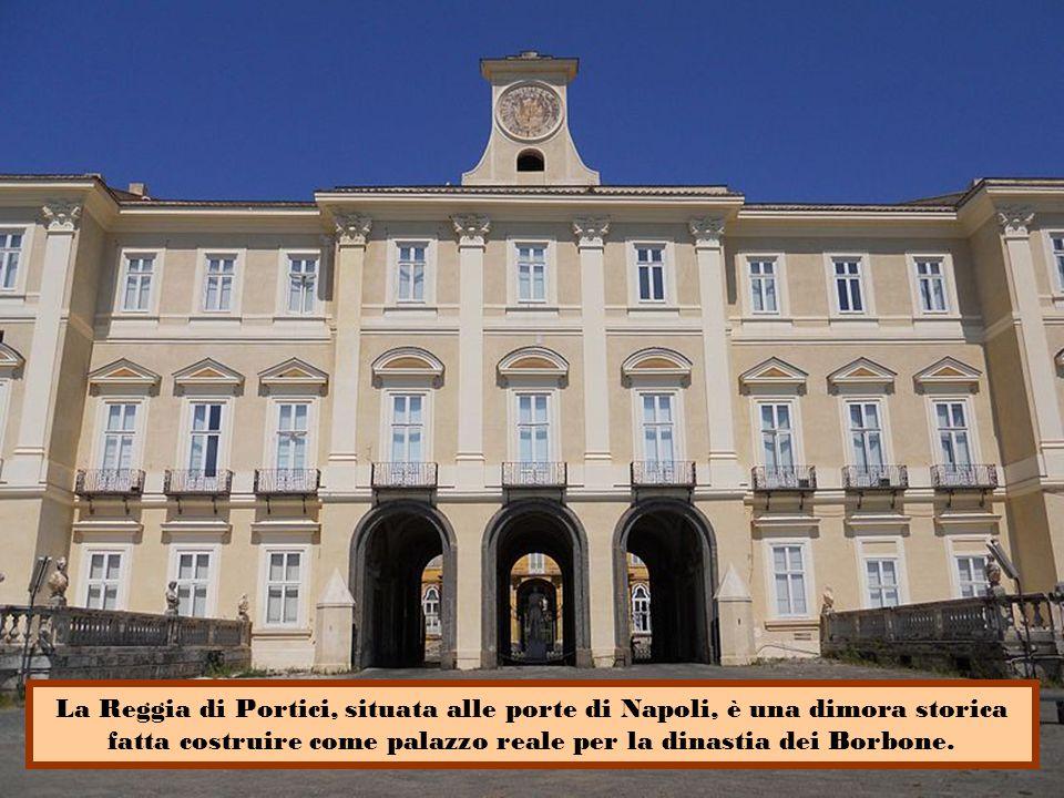 La reggia di Quisisana, provvista di uno splendido parco, fu abitata dagli Aragonesi e poi dai Borboni; amata da re Ladislao I e da sua sorella Giovanna II che scamparono alla peste che imperversava a Napoli.