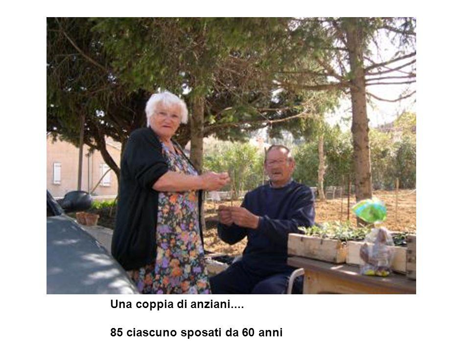 Una coppia di anziani.... 85 ciascuno sposati da 60 anni
