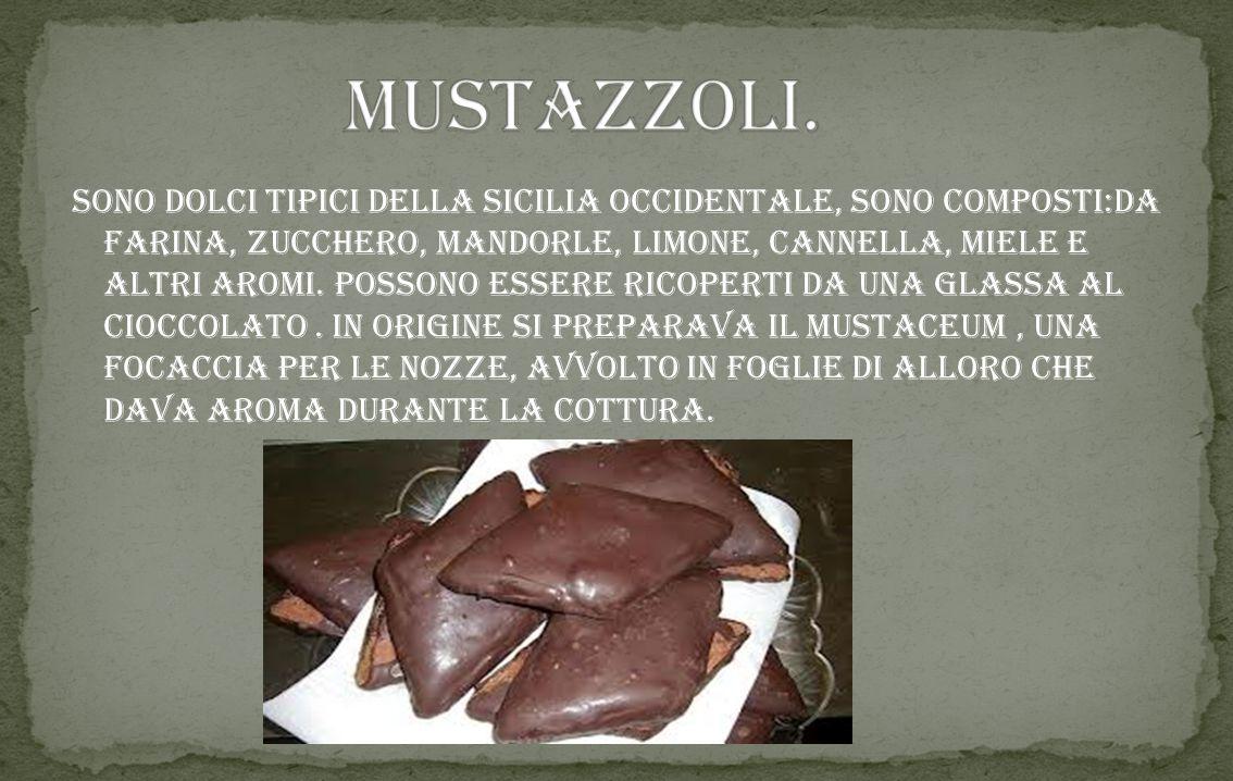 """Tra la tanta pasta fresca, fatti in casa, i busiati sono tra i più noti, prendono il nome dalla """"busa"""" il ferro da calza usato per prepararli. Per una"""