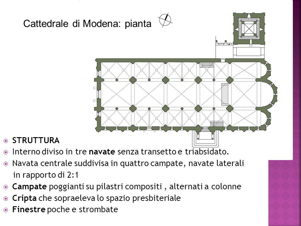  STRUTTURA  Interno diviso in tre navate senza transetto e triabsidato.  Navata centrale suddivisa in quattro campate, navate laterali in rapporto