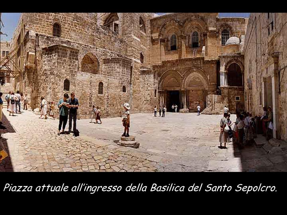Particolare del plastico che si trova nell'hotel Holy Land, Gerusalemme, dove vediamo la porta di Beniamino, dove Gesù uscì verso la crocifissione.A sinistra la ROCCIA del CALVARIO.