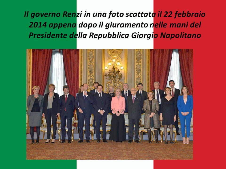 Il governo Renzi in una foto scattata il 22 febbraio 2014 appena dopo il giuramento nelle mani del Presidente della Repubblica Giorgio Napolitano