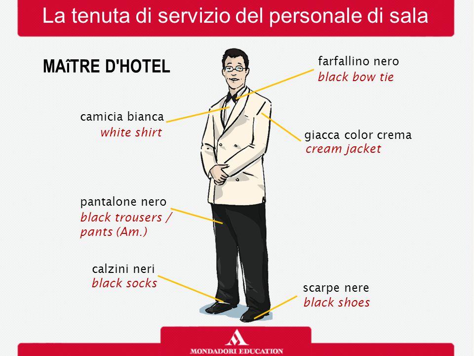 La tenuta di servizio del personale di sala MAîTRE D'HOTEL camicia bianca white shirt giacca color crema cream jacket farfallino nero black bow tie ca