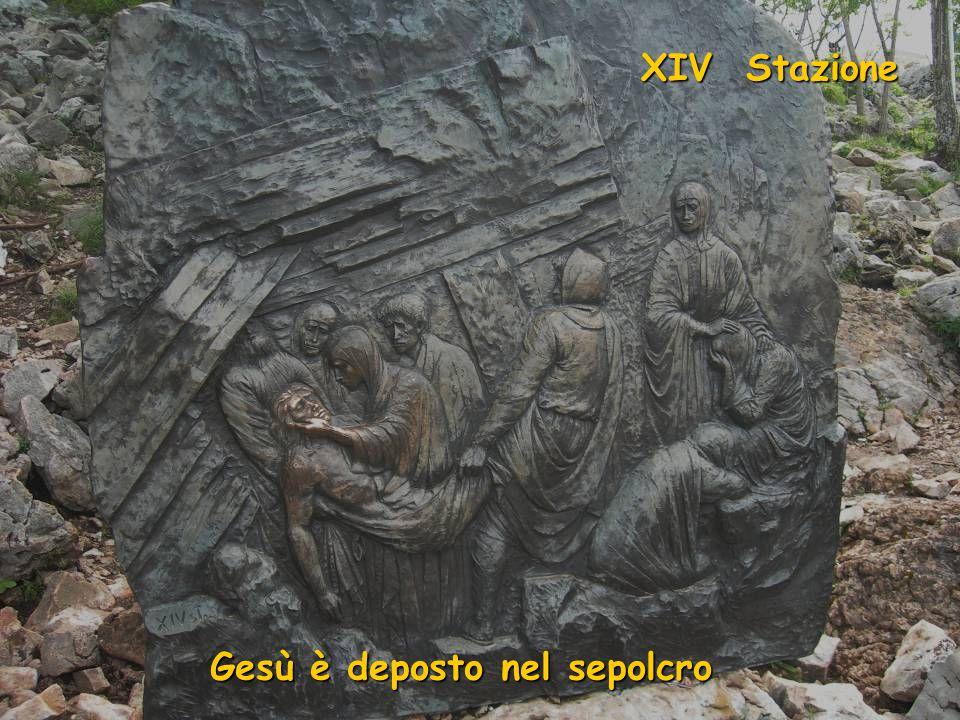 GeGe GeGe XIII Stazione GeGe GeGe GeGe Gesù è deposto dalla Croce