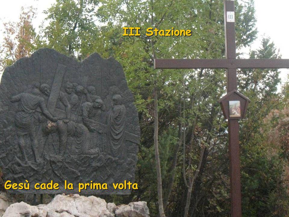 II Stazione Gesù è caricato della Croce
