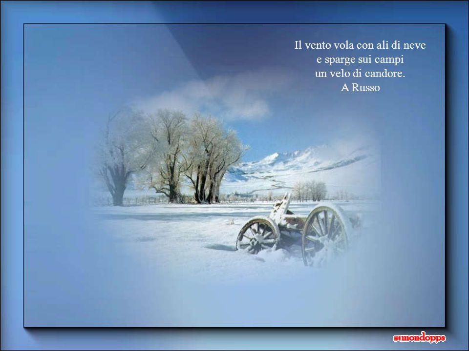 Sui campi e sulle strade silenziosa e lieve volteggiando, la neve …cade Danza la falda bianca nell'ampio ciel scherzosa poi sul terren si posa…stanca