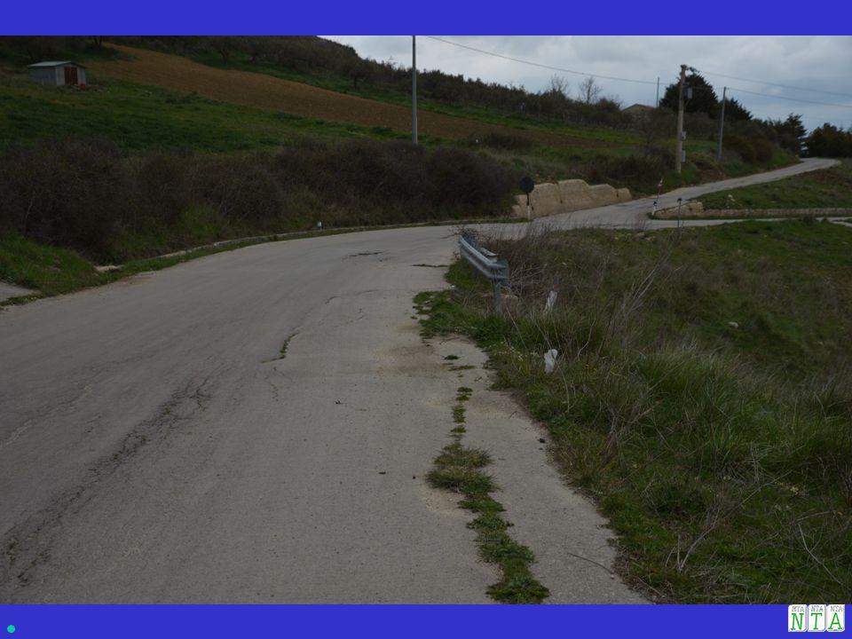 CAUSE: 1.Acque di scorrimento superficiali provenienti dalla strada secondaria; 2.2.