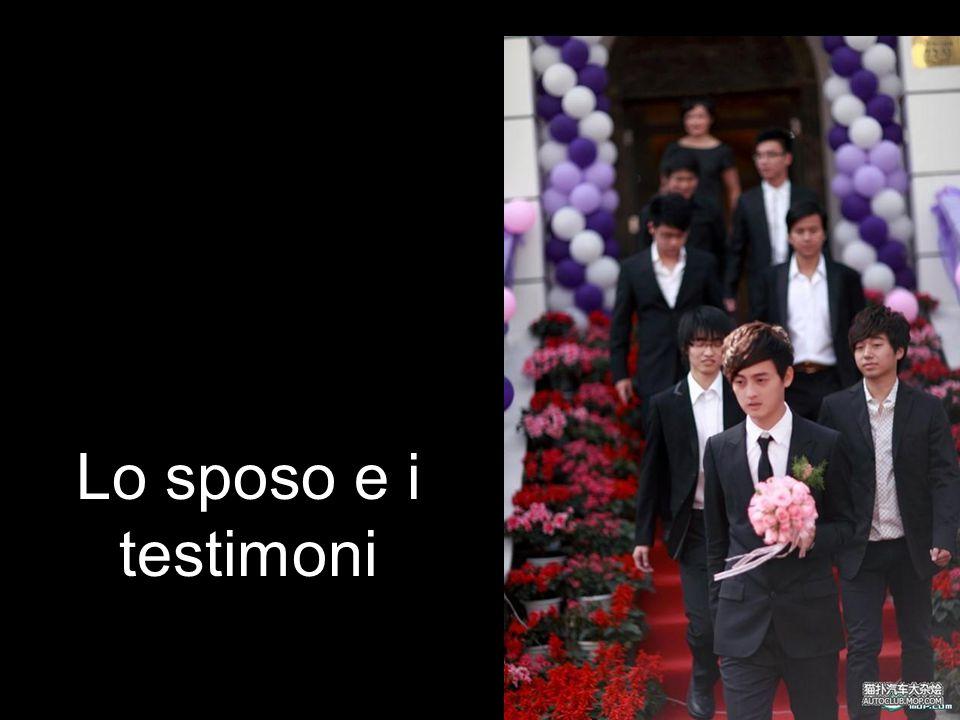 Lo sposo e i testimoni