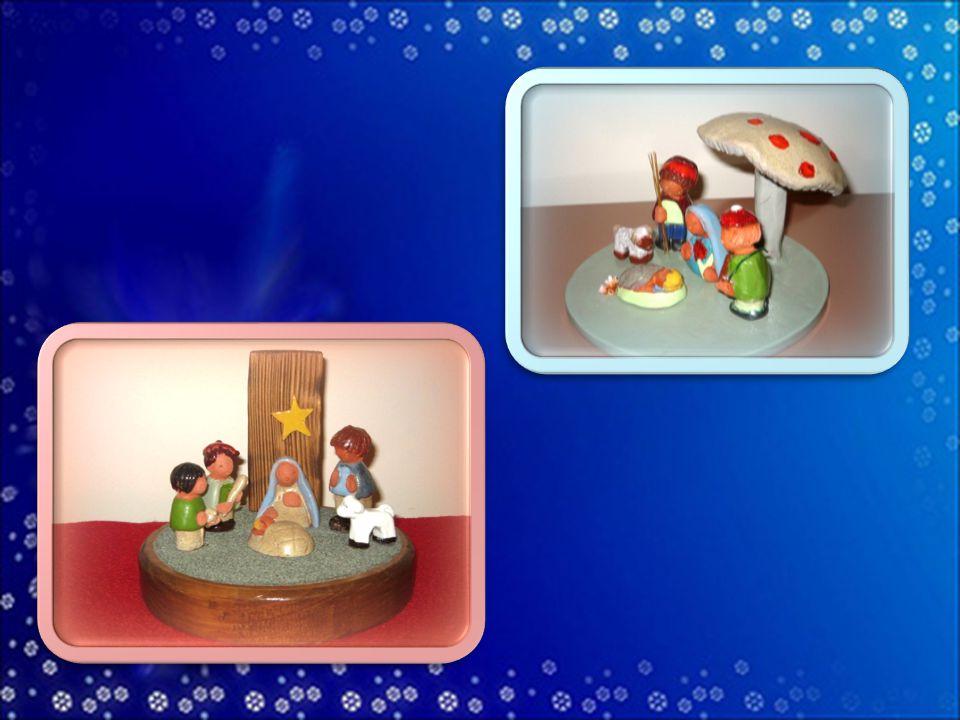 Le Pie Discepole del Divin Maestro vi augurano Santo Natale e felice Anno Nuovo 2015 .