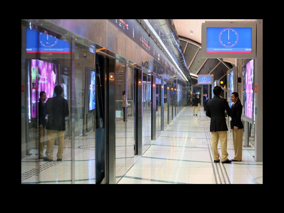 Per risolvere questo problema, lo sceicco Mohammed bin Rashid Al Maktoum ordinòd i costruire una rete di ferrovie con cinque linee che attraversano la città.