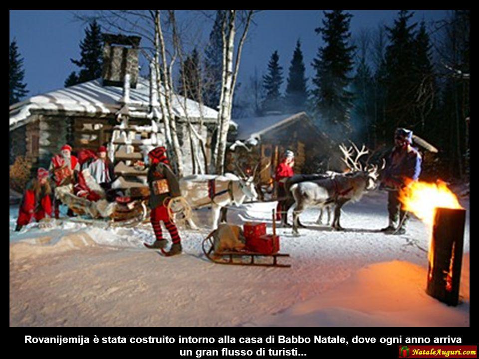 La tradizione vuole che la casa di Babbo Natale sia in Lapponia e i finlandesi sostengono che sia proprio a Rovanijemiju, la capitale della Lapponia f