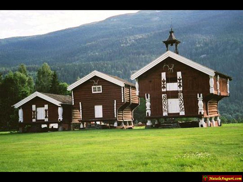 Anche la maggior parte degli edifici pubblici e di culto sono costruiti utilizzando il legno…