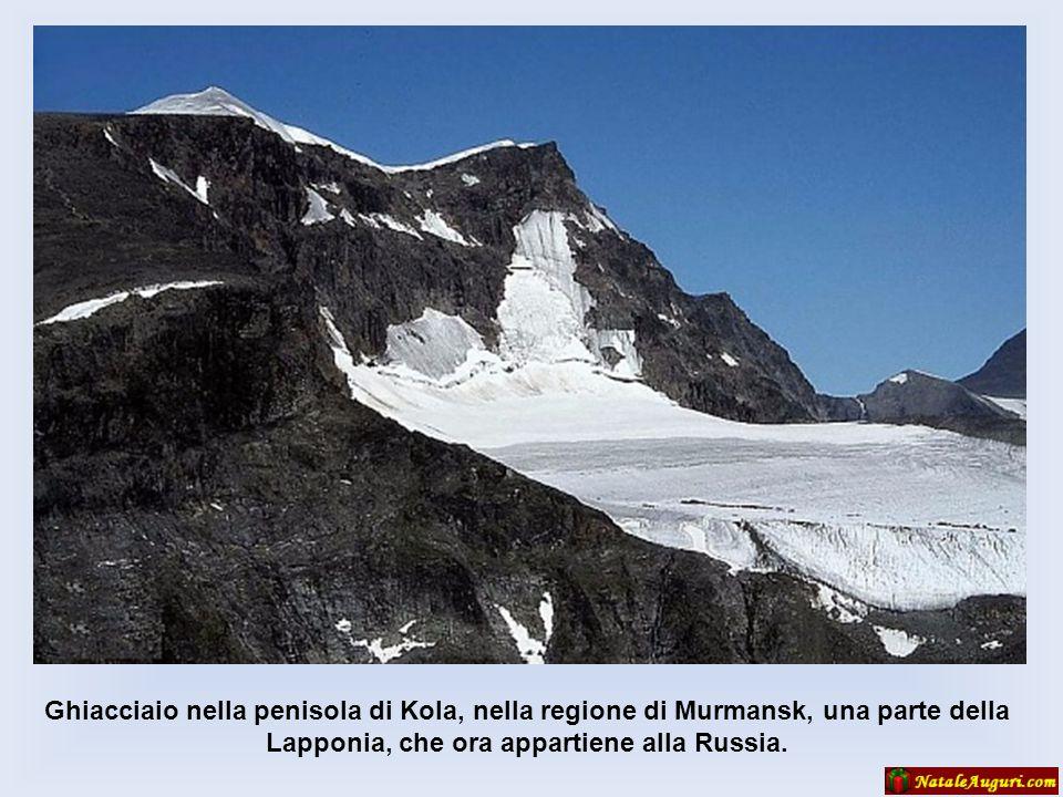 Ghiacciaio nella penisola di Kola, nella regione di Murmansk, una parte della Lapponia, che ora appartiene alla Russia.