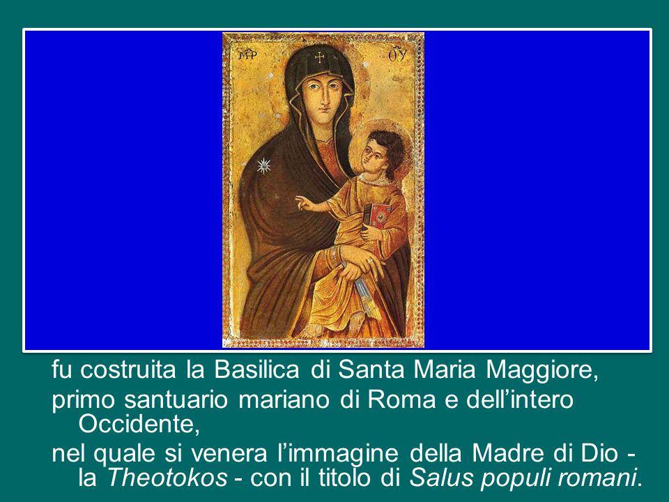 Ricordiamo quel grande momento della storia della Chiesa antica che è stato il Concilio di Efeso, nel quale fu autorevolmente definita la divina maternità della Vergine.