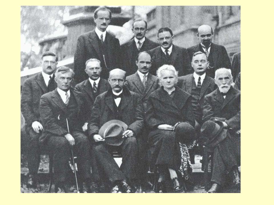 Le due diapositive seguenti rappresentano un'unica foto di gruppo, al Consiglio Solvay del 1927, dedicato alla meccanica quantistica.