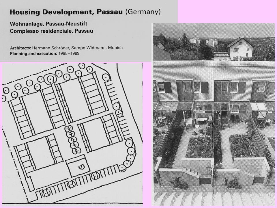 ATTUAZIONI IN EUROPA GERMANIA (Monaco) Piano di indirizzo del governo del '93, opera con strumenti di pianificazione paesistica e ambientale a scala regionale (land):  Politiche di controllo del confine urbano  Salvaguardia degli spazi aperti  Salvaguardia della forma e dell'identità degli spazi urbanizzati 1) Città compatta Infilling Ricerca di aree da destinare alla compensazione eco-ambientale 2) Decentramento Urban network (sviluppo policentrico interconnesso: reti di città con ruoli diversi e specializzazione di funzioni): concentrazione decentrata (rafforzamento degli insediamenti nei nodi del sistema) 3) Confine urbano Green system: reti e aree verdi per il supporto delle reti di mobilità alternativa e per mantenere un ecosistema naturale