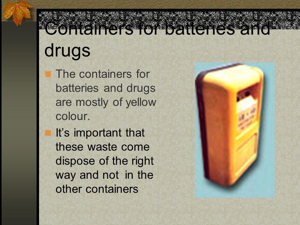 CONTENITORI PER LATTINE PLASTICA E VETRO I contenitori per le lattine la plastica e del vetro sono prevalentemente di colore grigio/verde.