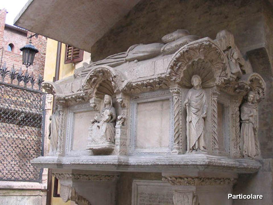 Tomba di Cangrande della Scala Particolare