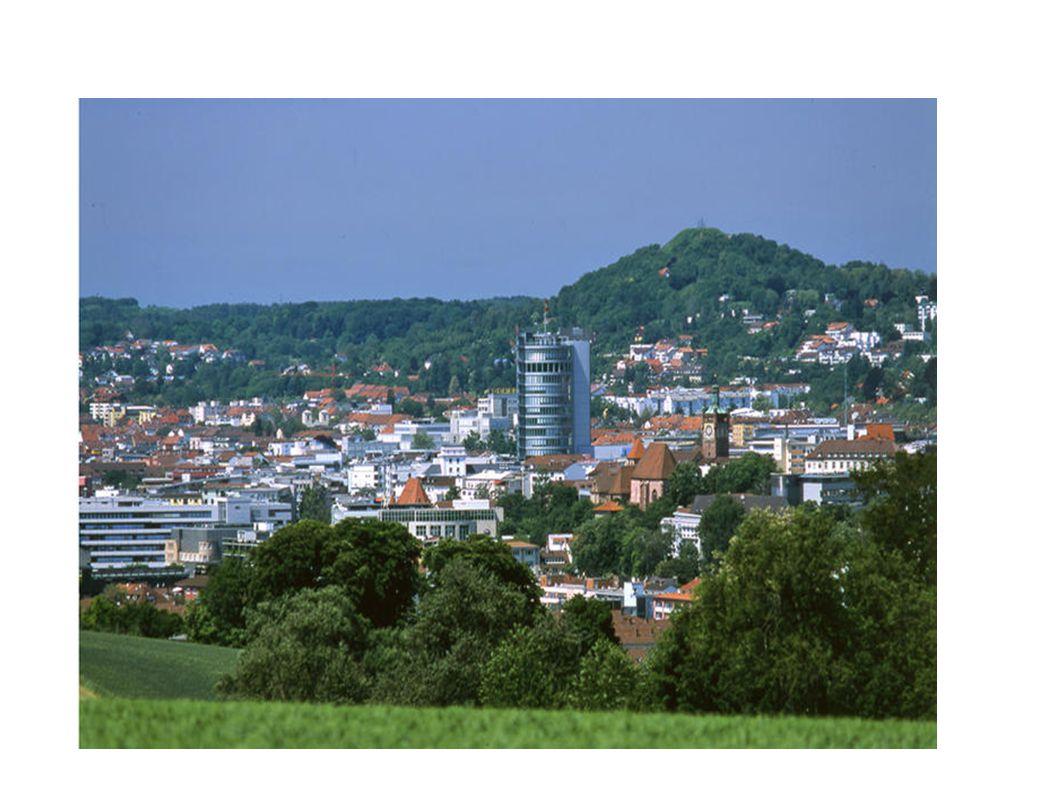 Il paesaggio Pforzheim è situata al confine nord della Foresta Nera in una valle dove si incontrano tre fiumi, il Würm, il Nagold e l Enz, per questo la città viene anche chiamata la città dei tre fiumi, die drei-Flüße-Stadt .Foresta NeraWürmNagoldEnz