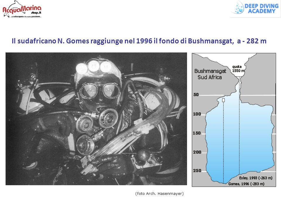 Il sudafricano N. Gomes raggiunge nel 1996 il fondo di Bushmansgat, a - 282 m (foto Arch. Hasenmayer)