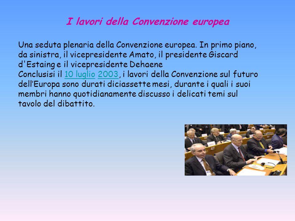 I lavori della Convenzione europea Una seduta plenaria della Convenzione europea.