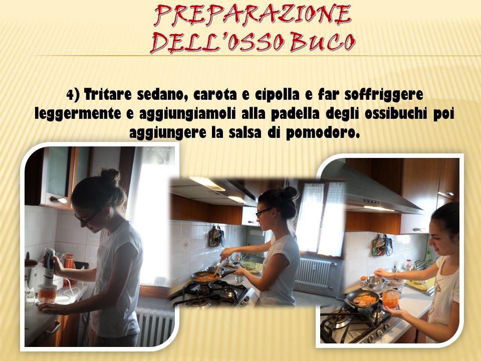 5) Lasciar cuocere la carne per circa 1 ora, lasciando il coperchio scostato per uno sfiato; controllare la cottura ogni tanto per non far attaccare gli ossibuchi.