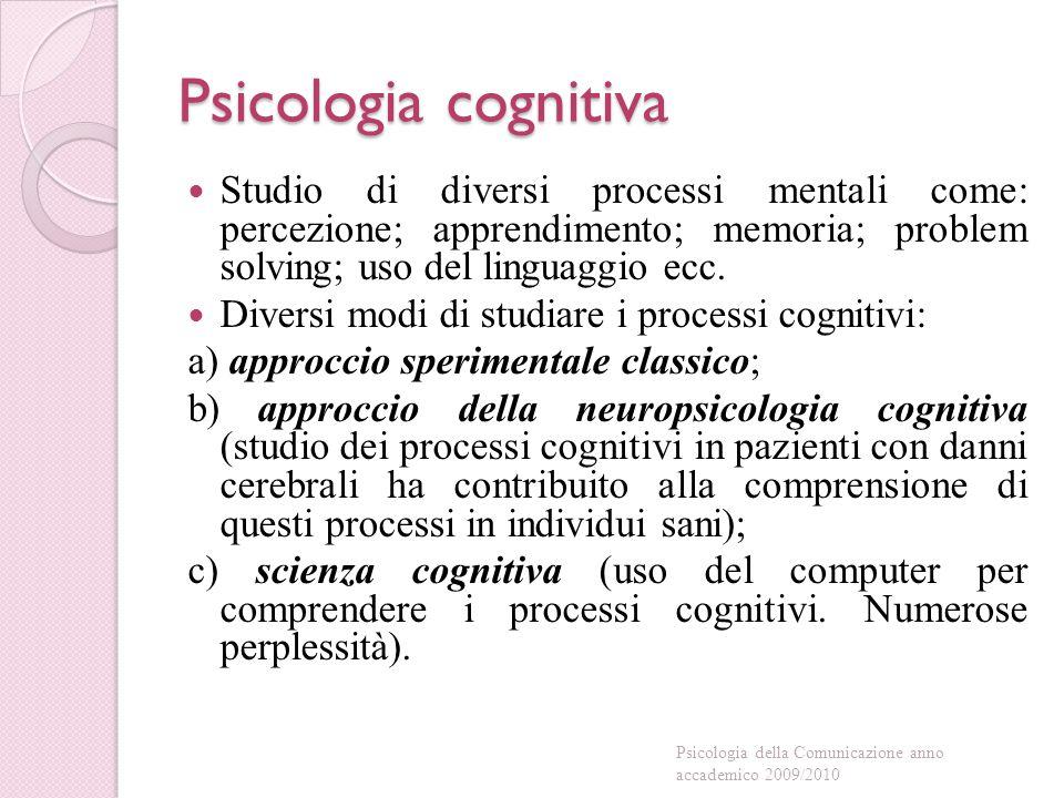 Psicologia sociale Essere umano = animale sociale Comportamento umano influenzato dagli altri (cfr.