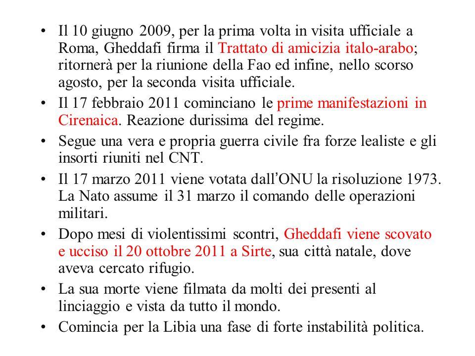 Il 10 giugno 2009, per la prima volta in visita ufficiale a Roma, Gheddafi firma il Trattato di amicizia italo-arabo; ritornerà per la riunione della