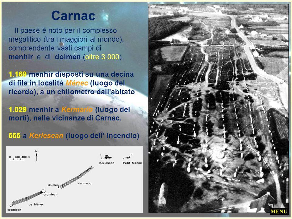 Il villaggio di Carnac, in Bretagna, è così piccolo da essere a malapena menzionato sulle carte geografiche. Nei suoi pressi, però, sorge da tempo imm