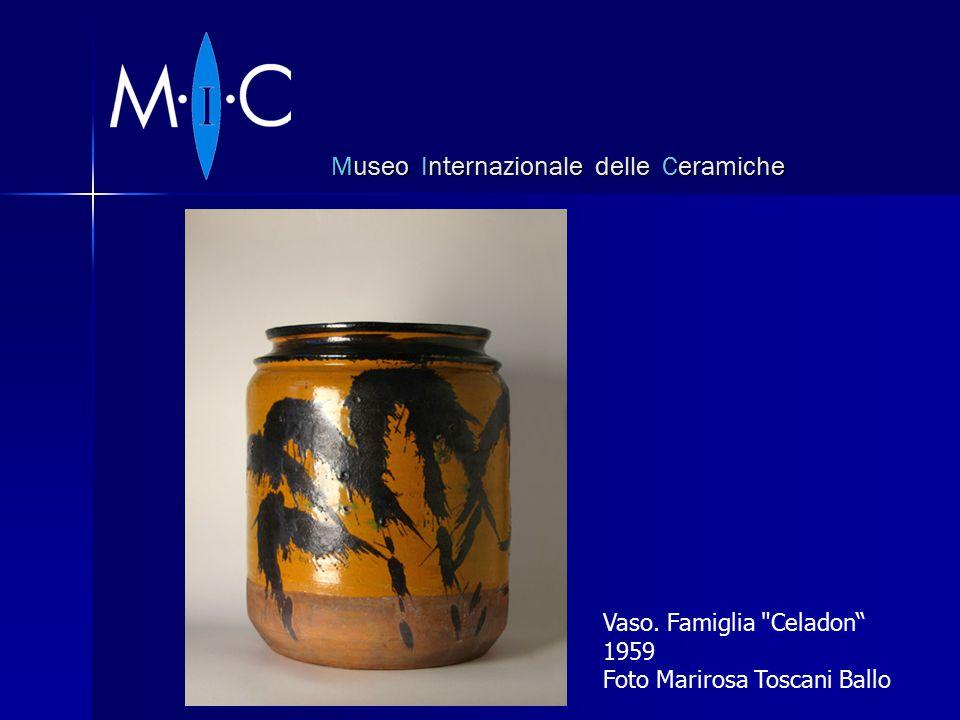 Museo Internazionale delle Ceramiche Vaso. Famiglia Celadon 1959 Foto Marirosa Toscani Ballo
