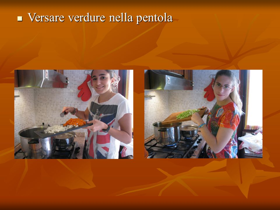 Versare verdure nella pentola