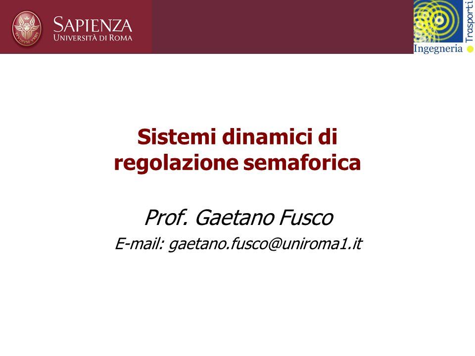 Corso di Sistemi di trasporto intelligenti UTOPIA: Architettura del sistema (2) Il sistema determina la politica di controllo dell'intersezione centrale della zona, considerando le interazioni con le intersezioni vicine.