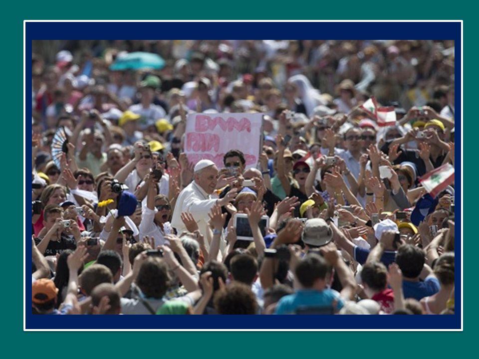 Papa Francesco ha presieduto la Veglia di Pentecoste con le aggregazioni laicali Sabato 18 maggio 2013 in Piazza San Pietro Io credo! Aumenta in noi l