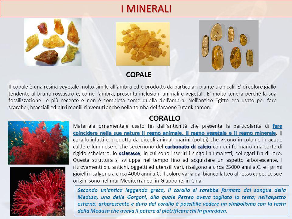 Il copale è una resina vegetale molto simile all'ambra ed è prodotto da particolari piante tropicali. E' di colore giallo tendente al bruno-rossastro