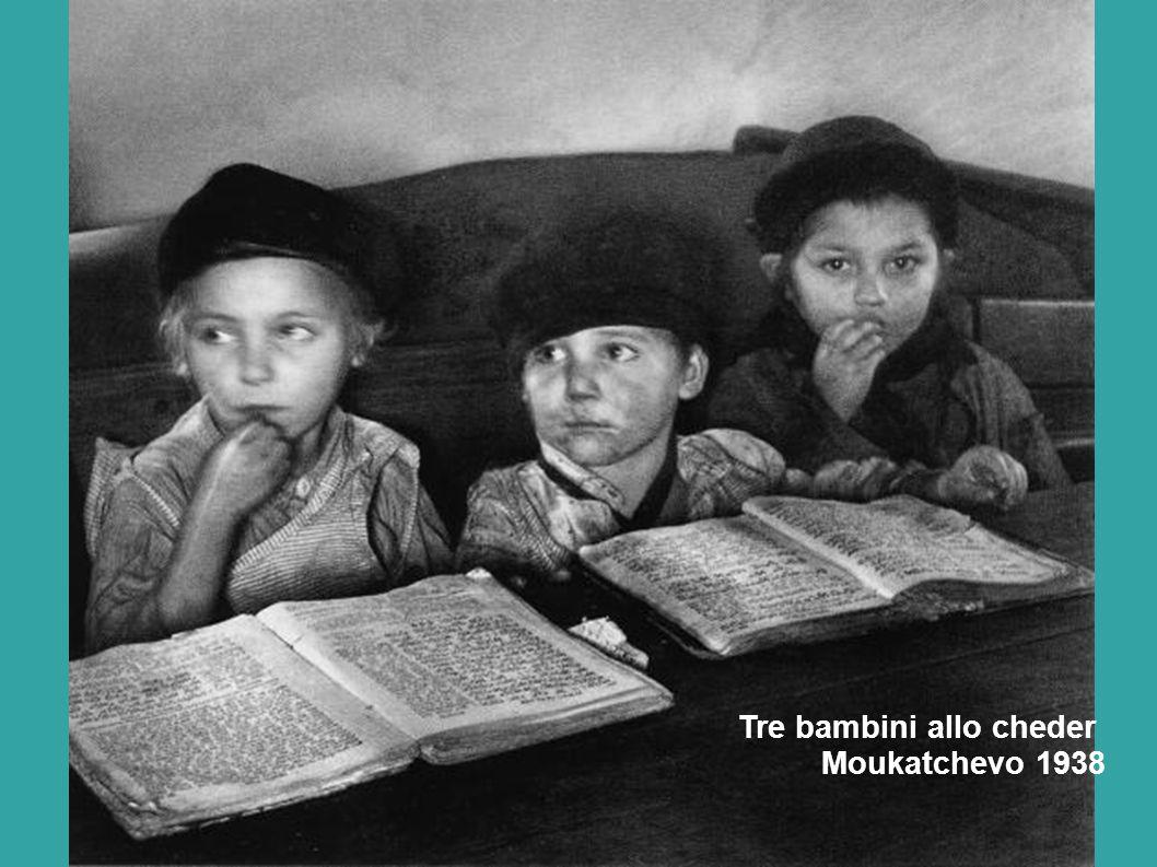Tre bambini allo cheder Moukatchevo 1938