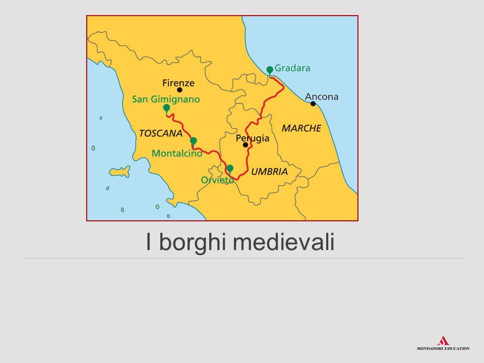 La cinta muraria che circonda il castello ha un perimetro di circa 800 metri; venne fatta erigere dai Malatesta, signori della vicina Rimini, tra il 1200 e il 1300.