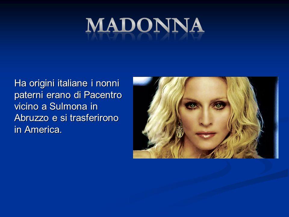 Ha origini italiane i nonni paterni erano di Pacentro vicino a Sulmona in Abruzzo e si trasferirono in America.