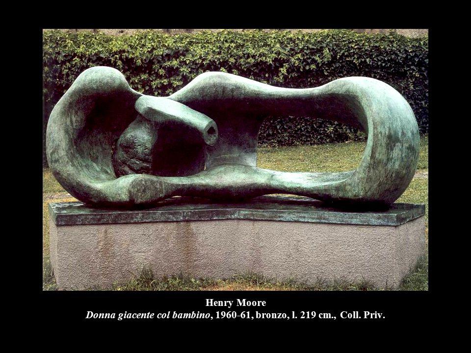Henry Moore Donna giacente col bambino, 1960-61, bronzo, l. 219 cm., Coll. Priv.