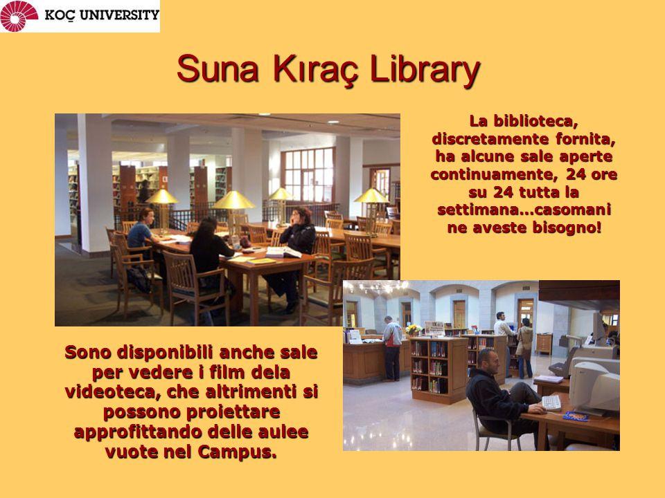La biblioteca, discretamente fornita, ha alcune sale aperte continuamente, 24 ore su 24 tutta la settimana…casomani ne aveste bisogno.