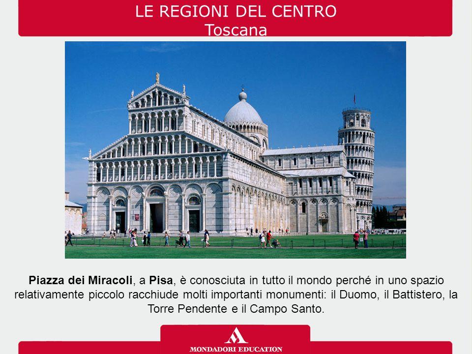 Piazza dei Miracoli, a Pisa, è conosciuta in tutto il mondo perché in uno spazio relativamente piccolo racchiude molti importanti monumenti: il Duomo,