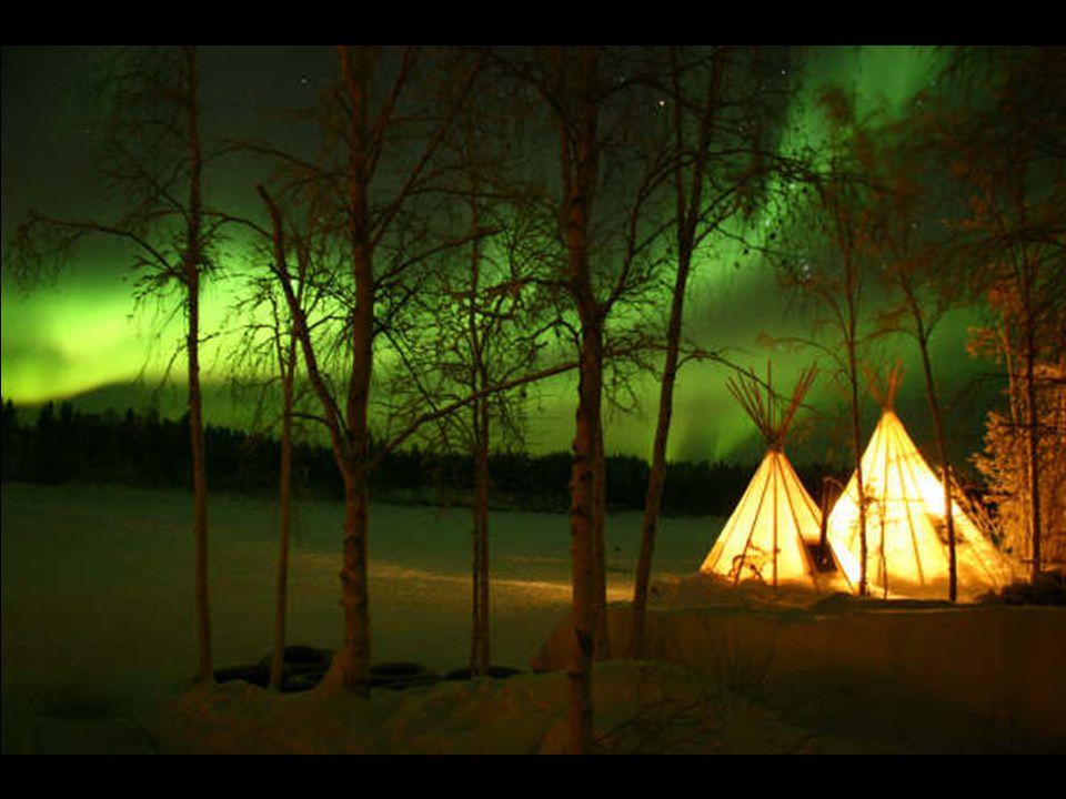 Aurora boreale ( luce nordica ) nel cielo di Yellowknife, Yukon, Canada di Lorenzo