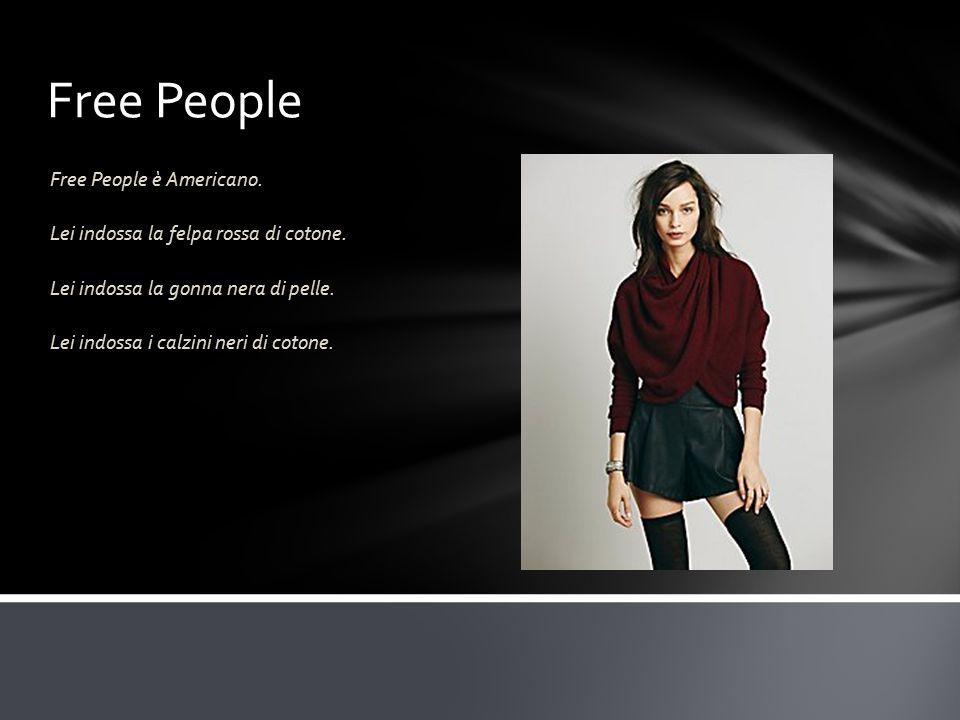 Free People Free People è Americano. Lei indossa la felpa rossa di cotone.