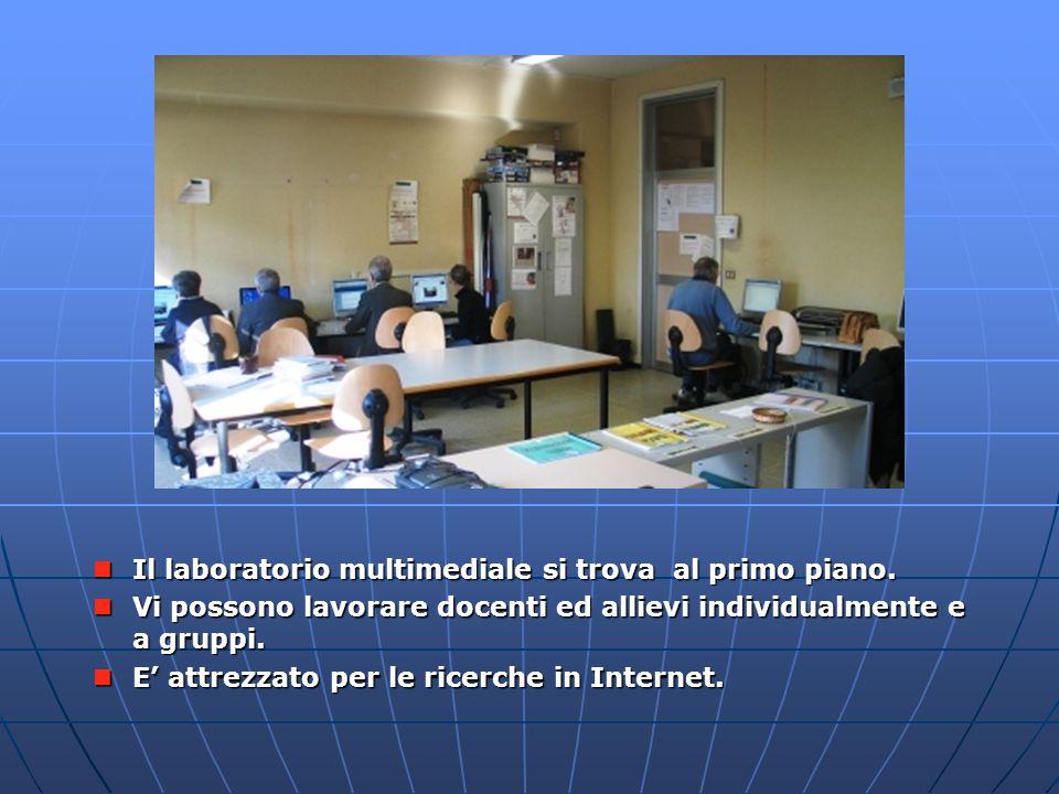 Il laboratorio multimediale si trova al primo piano. Il laboratorio multimediale si trova al primo piano. Vi possono lavorare docenti ed allievi indiv